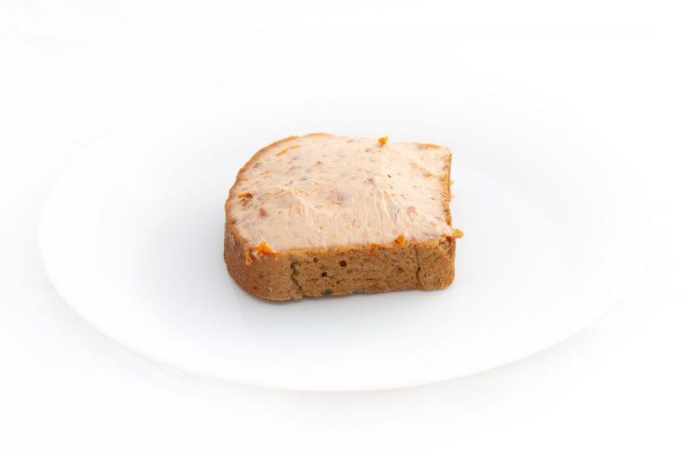 Rajčatová pomazánka nažitném chlebu