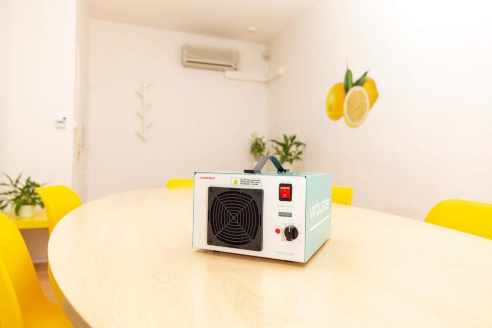 Všechny naše prostory preventivně & pravidelně čistíme generátorem ozónu.